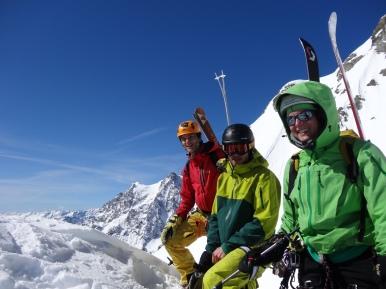 L'équipe du jour au sommet.