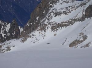 C'est quand même pas banal de voir des avions se poser sur un glacier !