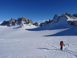 Dernière petite remontée avant la looonnggue et belle descente sur Trient (et une neige qui fait descendre les chaussettes !)