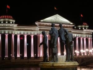 Skopje : mais qui nous a planté ici?